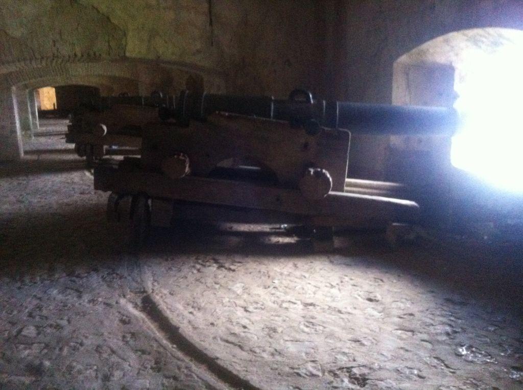 Eine Kanone auf der Citadelle. Sollen die Franzosen doch kommen! :)